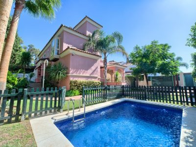 Beautiful 6 Bed Villa with Sea Views, Golden Mile