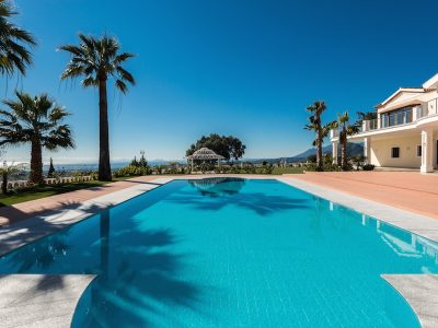 Immaculate Villa with 8 bedrooms in Madronal