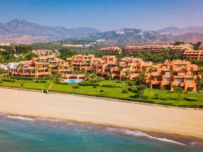 Luxury 2 Bed Frontline Beach Apartment, Los Monteros, Marbella