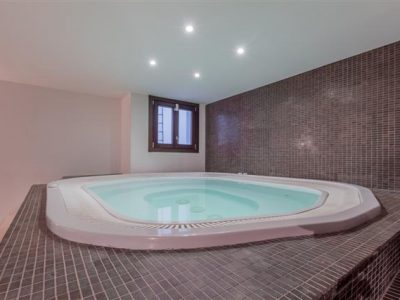 Jacuzzi_hdr (Small)