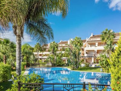 Large 4 bed Ground Floor Apartment in Golf Valley, Nueva Andalucia, Marbella