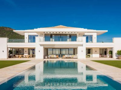 Brand-new mansion with panoramic views in La Zagaleta