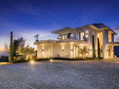 Brand-new mansion with panoramic views in La Zagaleta 12