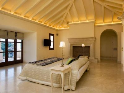 Large Andalusian style villa 07