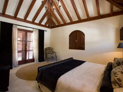 Large Andalusian style villa 09