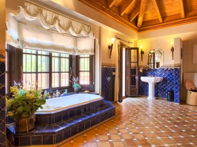 19 master bathroom