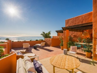 Luxury Beachfront 3 Bed Duplex Penthouse, Los Monteros, Marbella