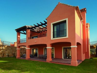 Spacious Detached and Semi-detached Villas in Estepona, Marbella