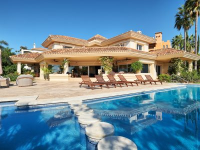 Classical Style Villa with Sea and Mountain Views, Nueva Andalucia, Marbella