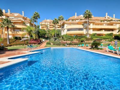 Spacious Groundfloor Apartment with Sea Views, Elviria, Marbella