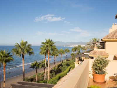 Outstanding Beachfront Duplex 4 bed Penthouse, Rio Real Playa, Marbella