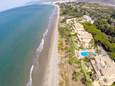 Stunning Beachfront 1st Floor Apartment, Rio Real Playa, Marbella