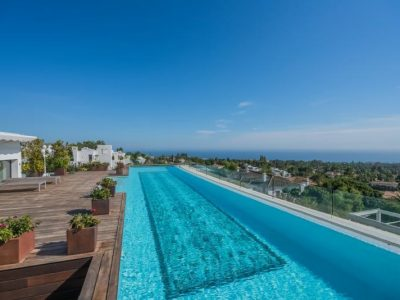 First-Class Duplex Penthouse in Benahavis, Marbella
