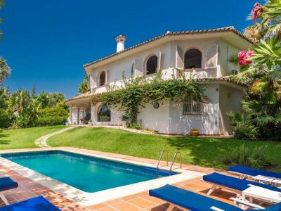 Family Villa Close to Marbella Centre in Nagueles, Golden Mile