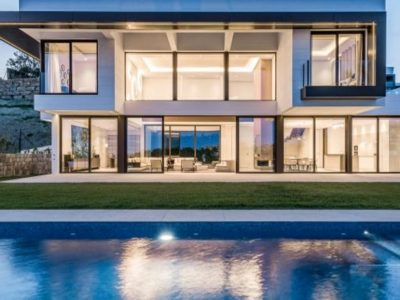 Luxurious Contemporary Villa in Benahavis, Marbella