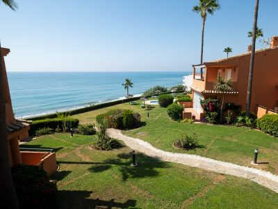 Beautiful Beachfront Townhouse in Estepona, Marbella