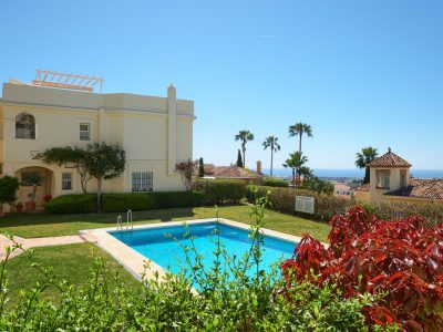 Fully Renovated Townhouse in La Quinta, Marbella