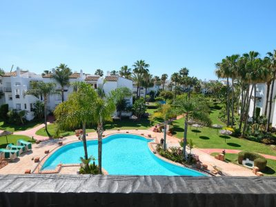 Fully Renovated Apartment in Beachfront Complex New Golden Mile, Marbella