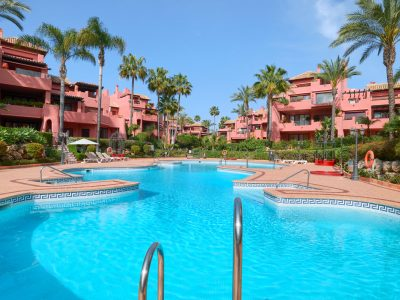 Spacious Frontline Beach Apartment in New Golden Mile, Marbella
