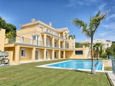 Beautiful Villa with Mountain and Sea Views, Benahavis, Marbella