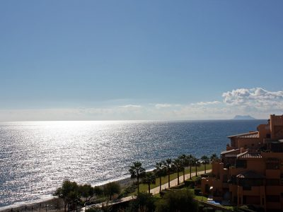 Direkt am Strand Penthouse in New Golden Mile, Estepona