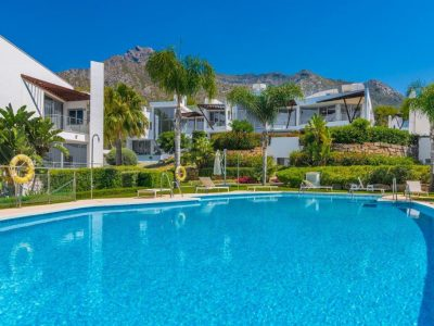 Exclusive Modern Townhouse in Prestigious Urbanization, Marbella