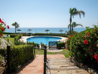 Frontline Beach Apartment in Estepona, Marbella