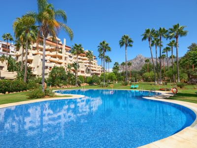 Ruime Duplex Penthouse in Golden Mile, Marbella