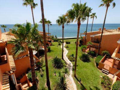 Frontline Beach 3-bedroom Apartment in Estepona, Marbella