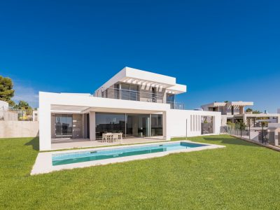 Moderne neu erbaute Villa in New Golden Mile , Marbella