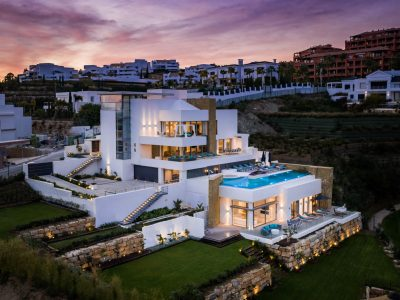 Villa Kahlo, Luxusvilla zur Miete in New Golden Mile, Marbella