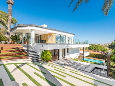 Magnificent Villa Walking Distance to the Beach for Sale in Marbella East, Marbella
