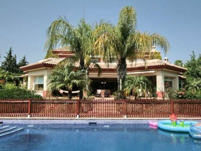 Spacious family home in Guadalmina Baja