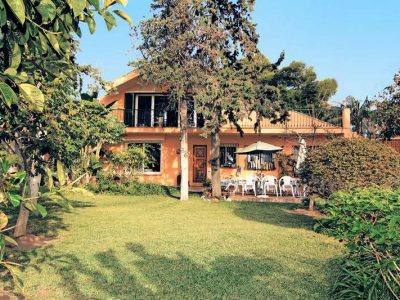 Peaceful beachside home with large plot 1