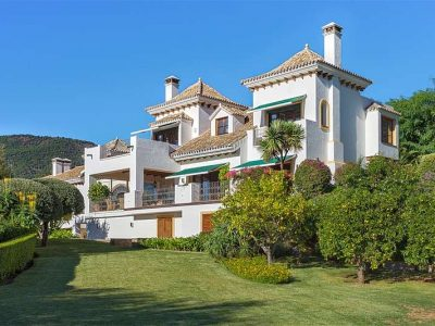 Andalusian Style Villa with outstanding Sea Views, La Zagaleta