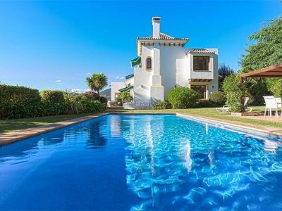 Cortijo-style property with magnificent views 12