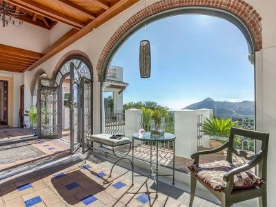 Cortijo-style property with magnificent views 04