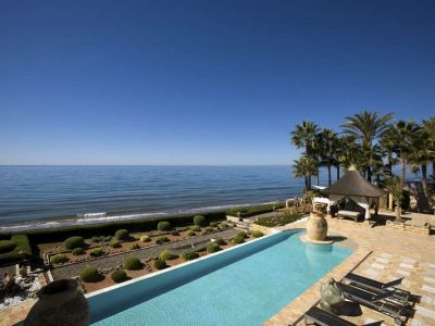 Stunning beachfront mansion in prime location 06