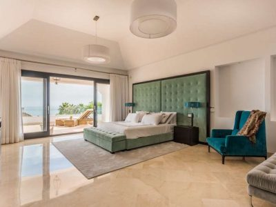 Stunning property in Marbella's most exclusive area 05