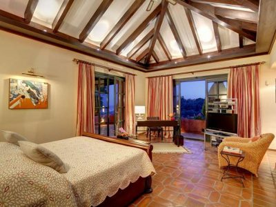 Impressive country-style villa in most secure area 07