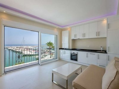 Contemporary penthouse front line to the Puerto Banús marina 02