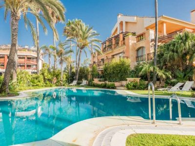 Unique beachfront apartment close to Puerto Banús
