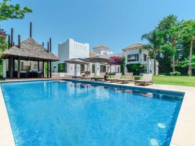 Elegant beachside villa close to golf courses